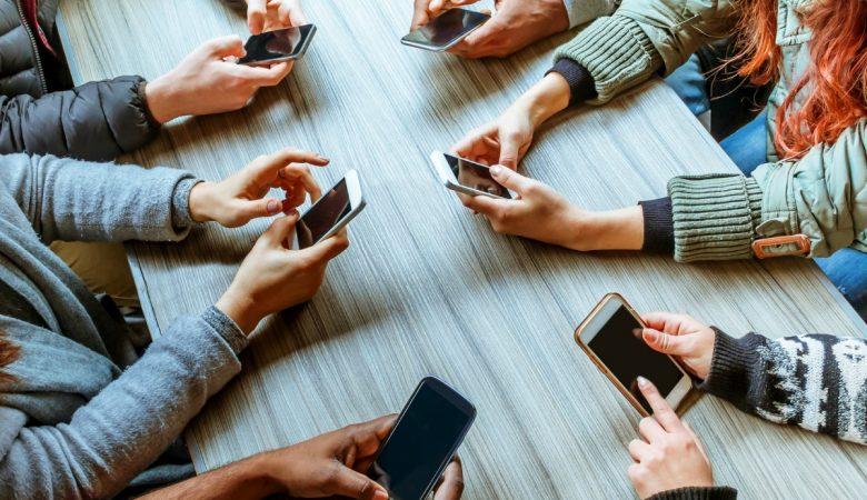 استاندارد استفاده از گوشی در روز