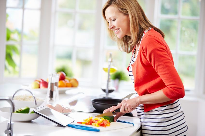 غذاهای مناسب دوران قاعدگی در طب سنتی