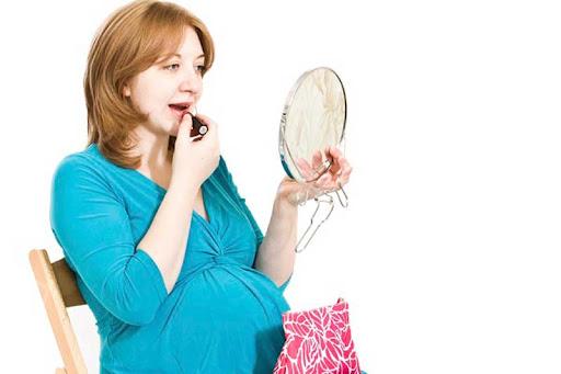 استفاده از لوازم آرایش در بارداری