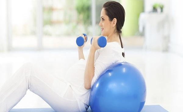 کاهش نفخ در بارداری با ورزش کردن