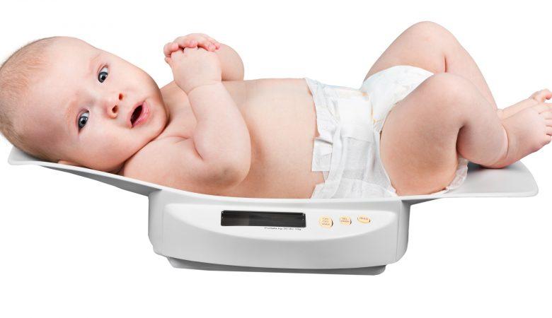 بررسی دلایل تولد نوزاد کم وزن و روشهای جلوگیری از آن