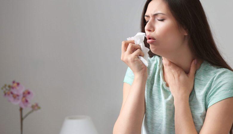 آیا مادر مبتلا به گلودرد استرپتوکوکی میتواند به کودک خود شیر دهد؟+10 درمان خانگی و پزشکی آن