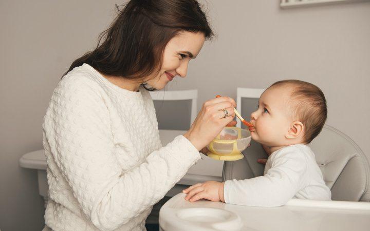 8 نکته تغذیه ای برای 8 ماهگی کودک + 8 برنامه غذایی با دستورالعمل های خوشمزه
