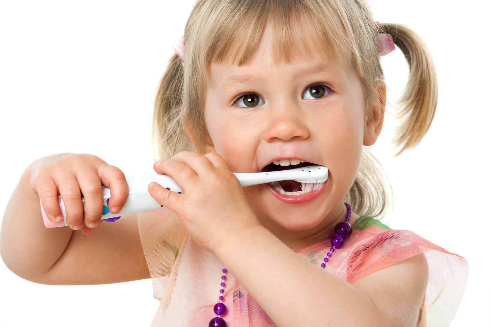 چگونه دندان نوزادان را مسواک بزنید؟