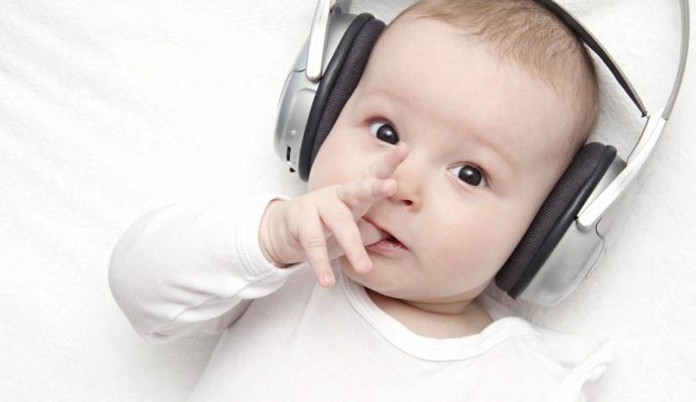 6 نکته شگفت انگیز برای آشنا کردن کودک با موسیقی