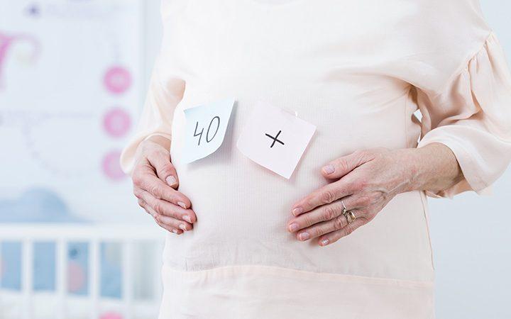 بارداری در 40 سالگی خطرات احتمالی آن