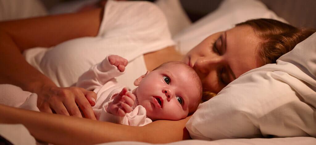 چطور از بیدار شدن کودک در شب جلوگیری کنیم؟