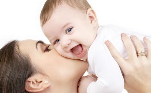اقدامات لازم در مواقع آبریزش بیش از حد دهان نوزاد
