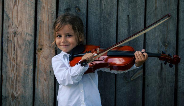 13 مورد از بهترین سازهای موسیقی برای آموزش کودکان