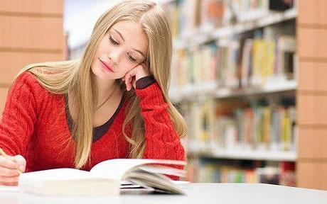 مردان اغلب از زنانی خوششان می آید که اهل کتاب باشند.