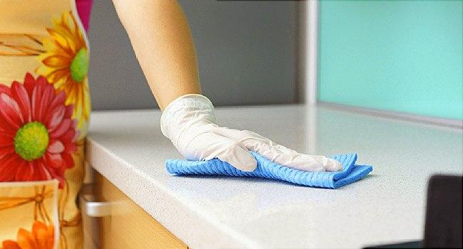 تمیز کردن مواد غذایی مانند یک جراح برای مقابله با ویروس کوید 19 (کرونا)