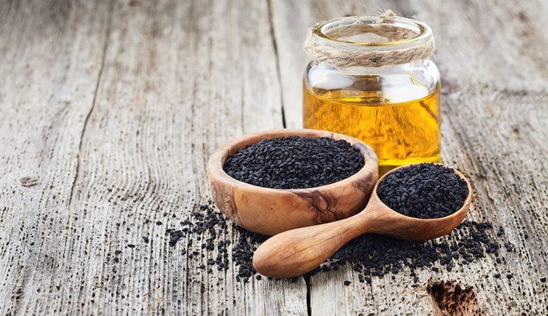 خواص و مزایای مصرف سیاه دانه برای کاهش وزن و هشدار در مصرف آن