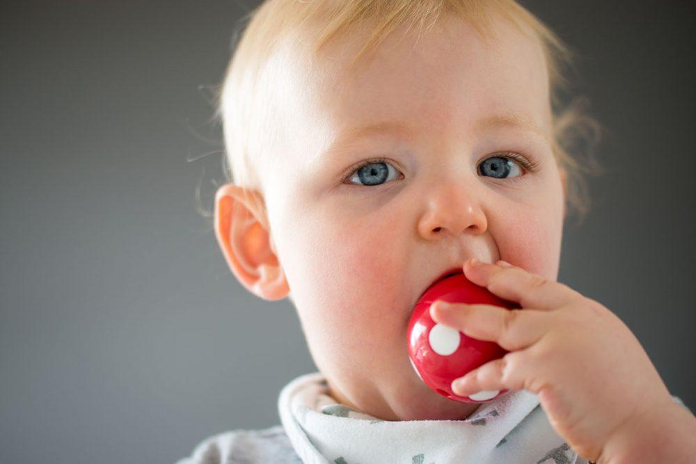 بهترین روش تمیز کردن انواع اسباب بازی های نوزاد (پلاستیکی، چوبی، پارچه ای، فلزی و ...)