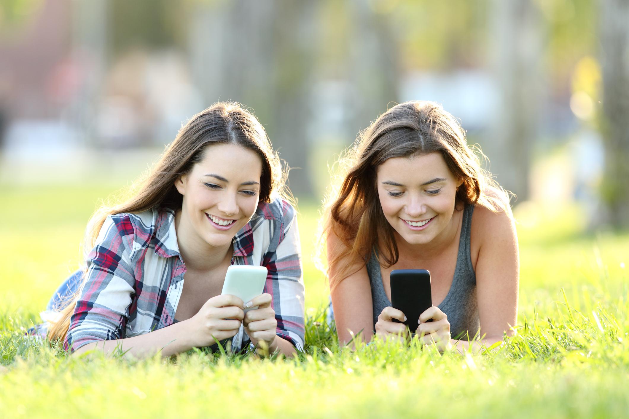 7 عارضه جانبی مضر تلفن همراه بر نوجوانان + 6 روش برای جلوگیری از تاثیرات منفی موبایل