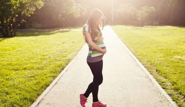 9 روش انتخاب کفش برای خانوم های باردار | 4 مشکل رایج که برای پاهای زنان باردار پیش می آید