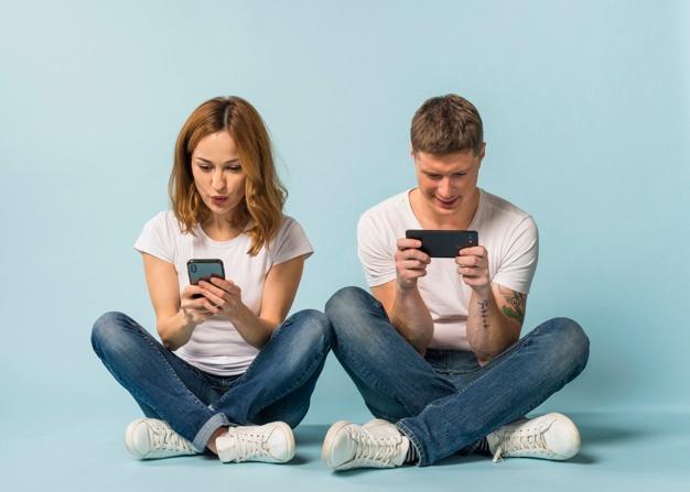 15 قانون تلفن همراه که هر زوجی برای ایجاد اعتماد باید از آن پیروی کند