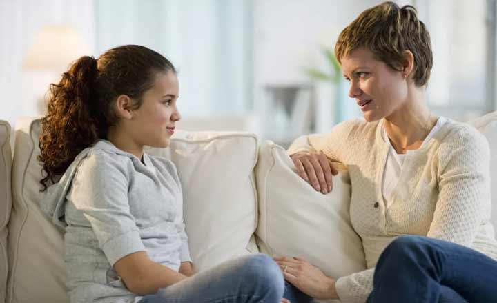 صحبت کردن با دختران درباره بلوغ