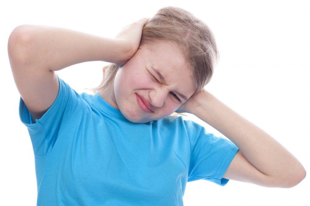 گوش درد در نوجوانان؛ 15 روش و درمان خانگی موثر برای گوش درد در مواقع اضطراری