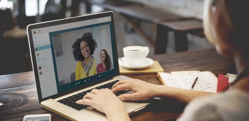 آداب کنفرانس ویدئویی: 10 نکته برای بهبود جلسات کاری مهم در تماس تصویری