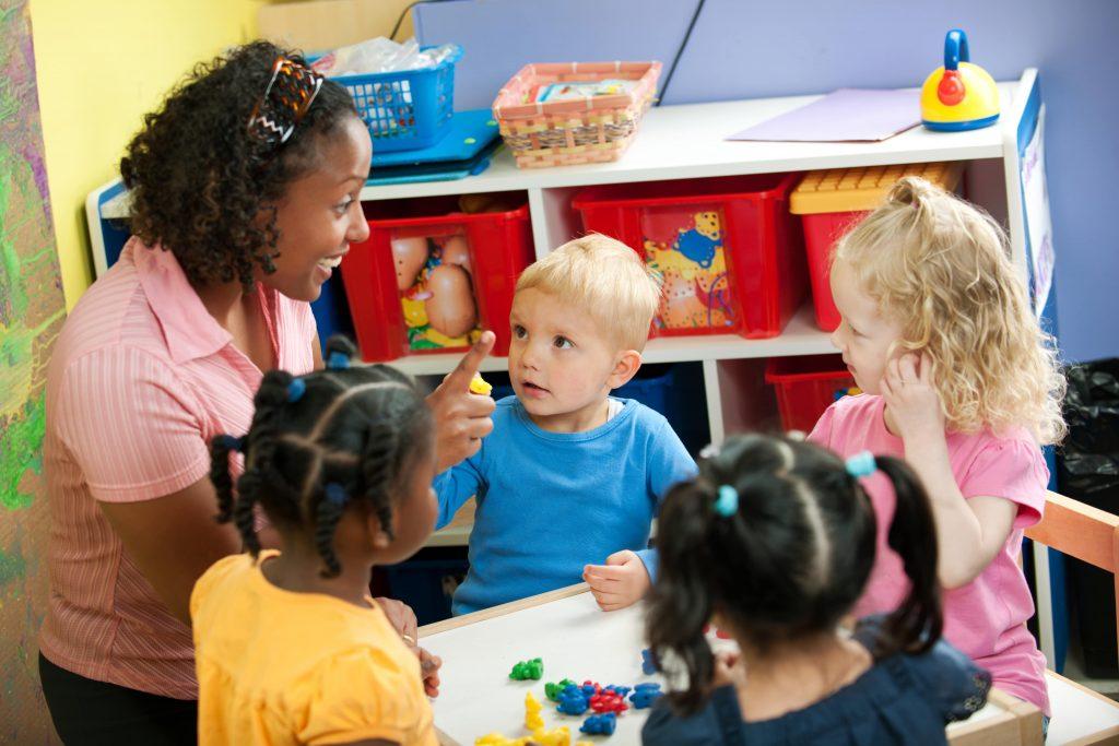 چگونه برنامه درسی یک پیش دبستانی پیاده سازی می شود؟