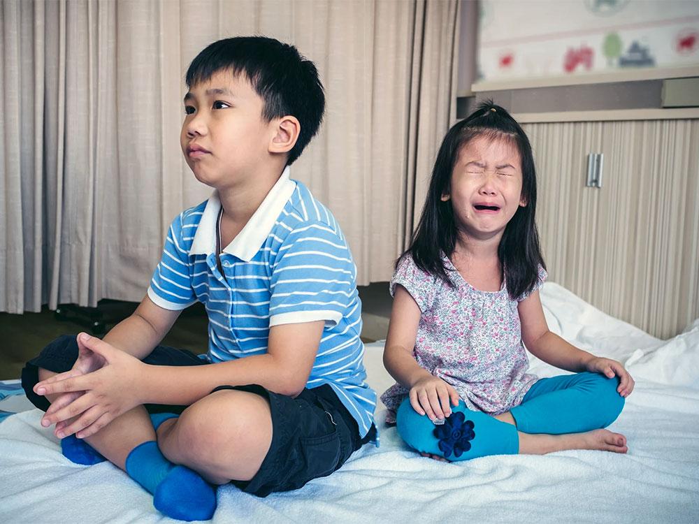 به دعوای کودکان توجه نکنید