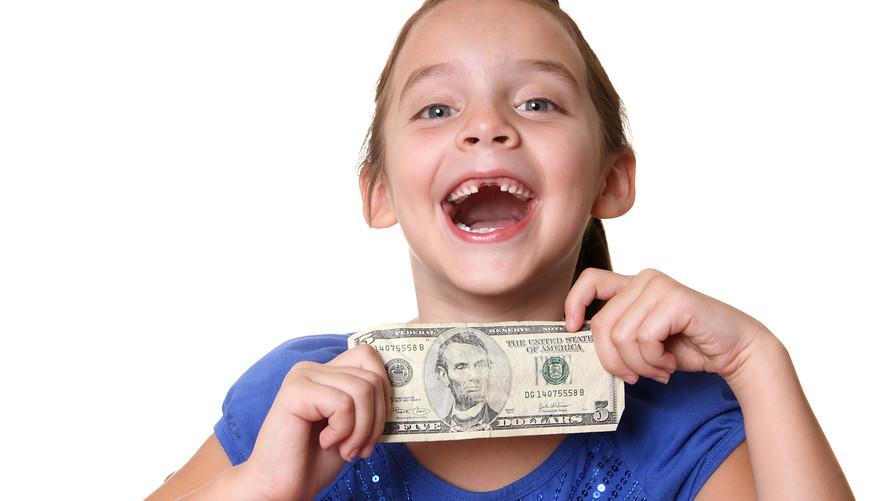 چقدر برای یک هدیه برای کودکتان هزینه می کنید
