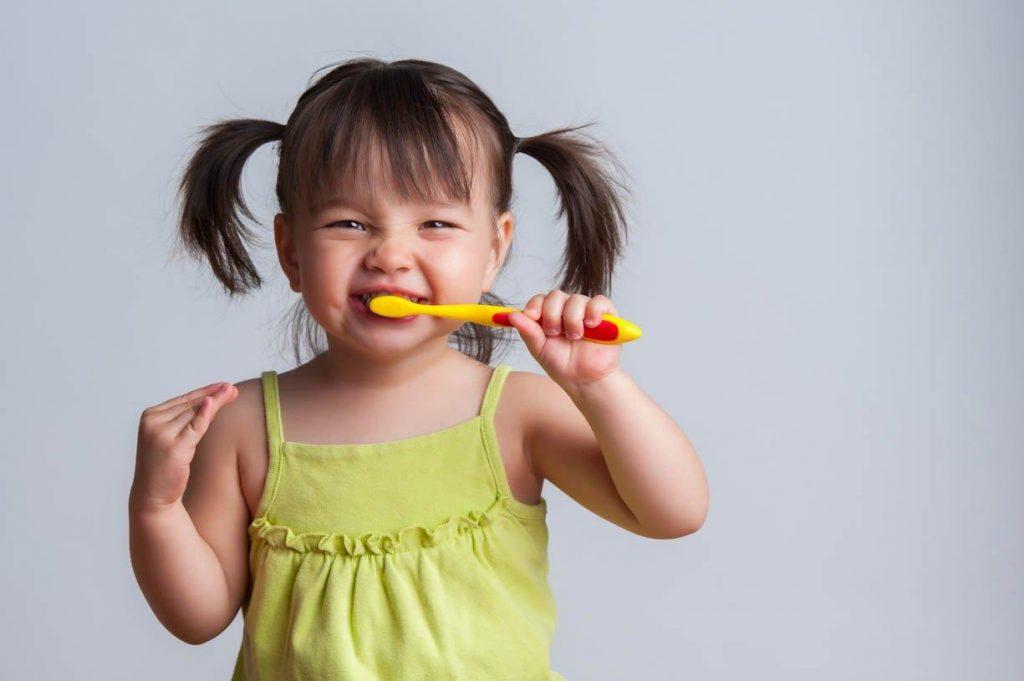 عوامل معده ای روده ای (GI) بوی بد دهان در کودکان