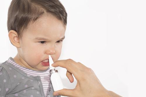 عوامل مربوط به بینی در بوی بد دهان کودک