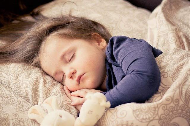 با تخت کودک خود شروع کنید