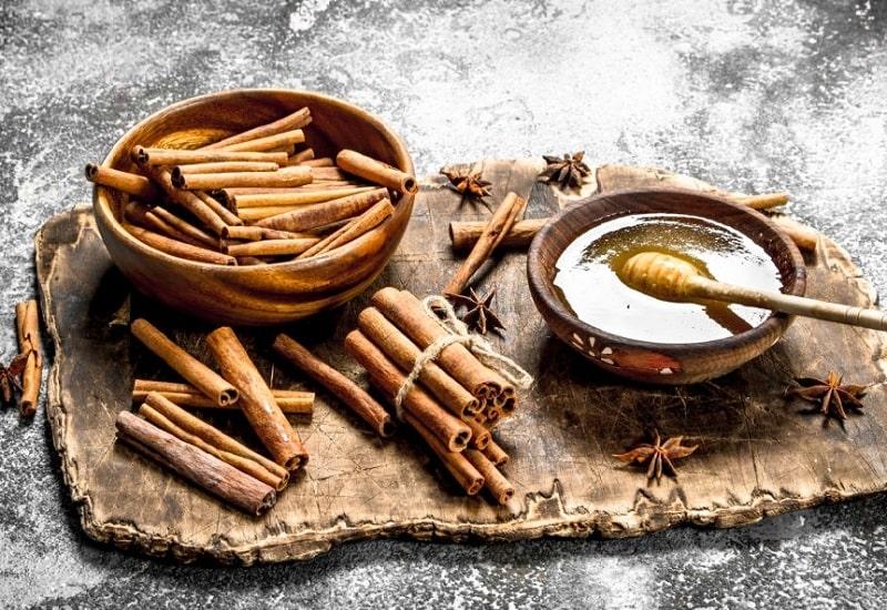 نحوی استفاده از عسل برای درمان عفونت های قارچی واژینال
