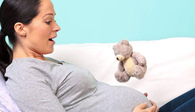 آیا سکسه کردن جنین در رحم مادر طبیعی است؟ (بررسی سکسکه بچه در دوران بارداری)