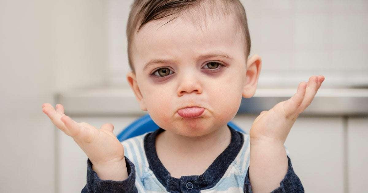 علائم گودی زیر چشم در کودکان