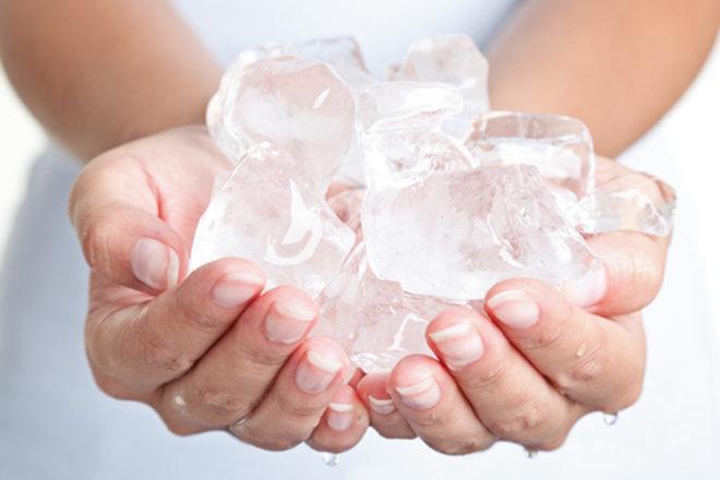چه عواملی باعث یخ خواری می شود؟