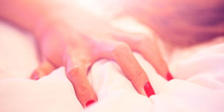 11 نشانه رایج که نشان می دهد عادت خودارضایی تان یک اعتیاد است