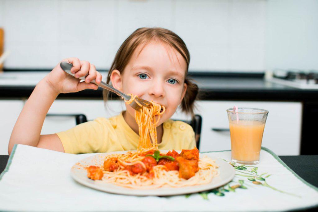 چند ایده برای افزایش تنوع غذایی بدون اینکه کودک حس کند از مصرف کربوهیدرات محروم شده است