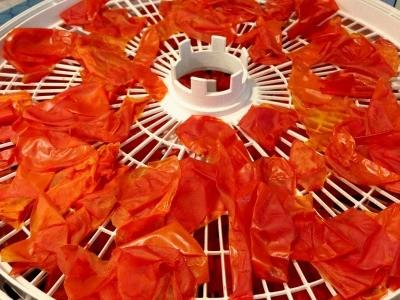 پوست گوجه را آماده کنید