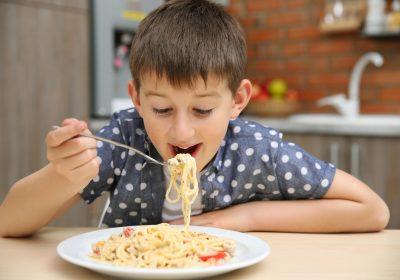 آیا خوردن همیشگی ماکارونی برای کودک شما خطرناک است؟!!!