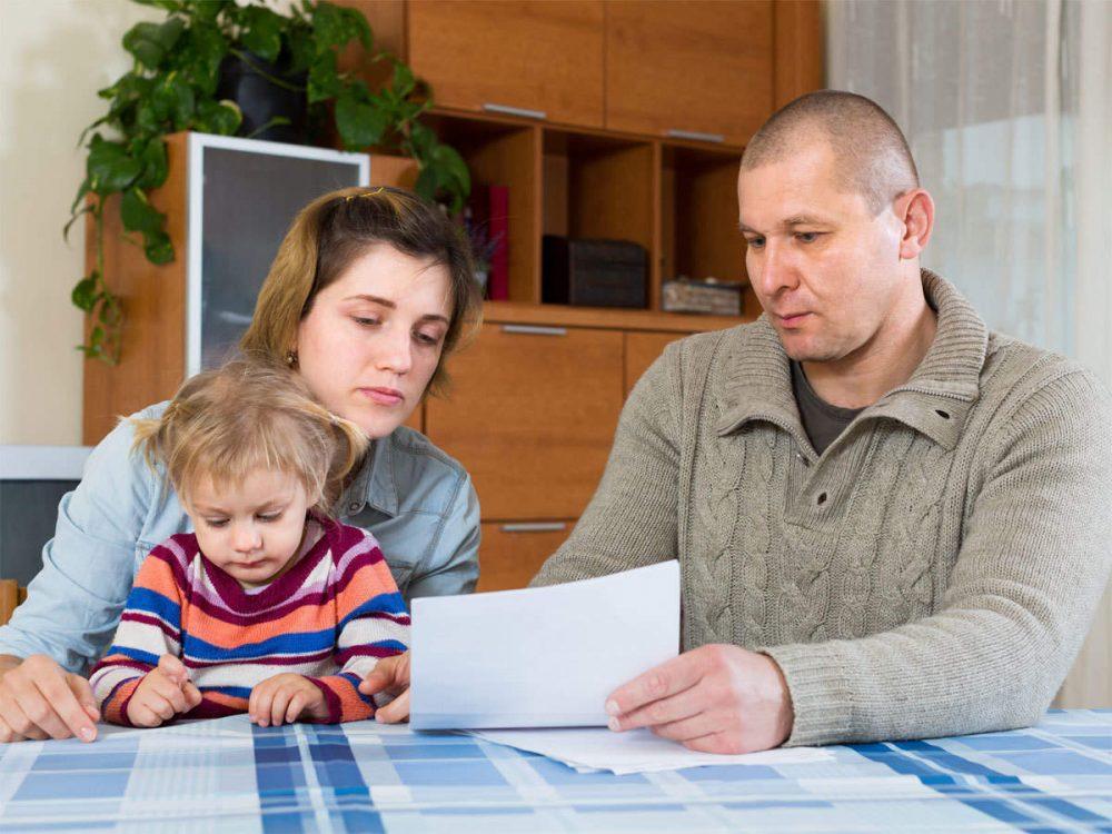 چگونه با کودک درباره مشکلات مالی صحبت کنیم؟ (مطرح کردن موضوع گرانی و بی پولی با بچه)
