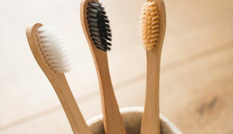 محصولات آرایشی و بهداشتی که نباید آن ها را از دست فروشان خریداری کنید