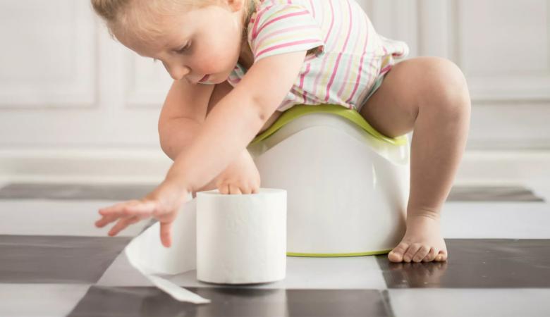 آیا مدفوع سبز رنگ کودک من علامت خطرناکی است؟