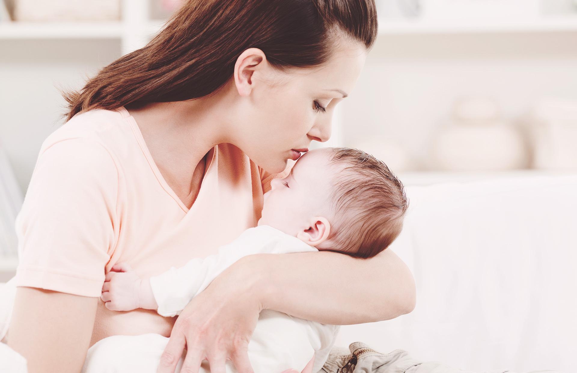 دلیل بوی کپک بدن نوزاد