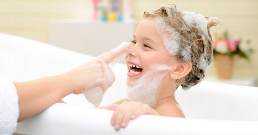 روش شستن موی کودکان نوپا