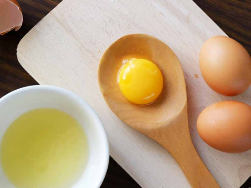 درمان خانگی ریزش موها پس از زایمان با سفیده تخم مرغ