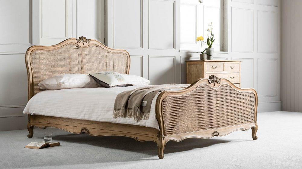 خرید سرویس خواب چوبی کلاسیک با طرح آنتیک