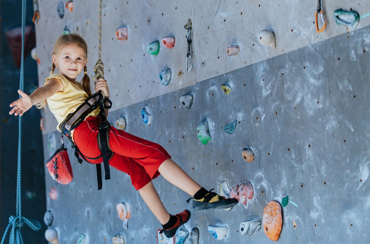 ورزش صخره نوردی برای کودکان