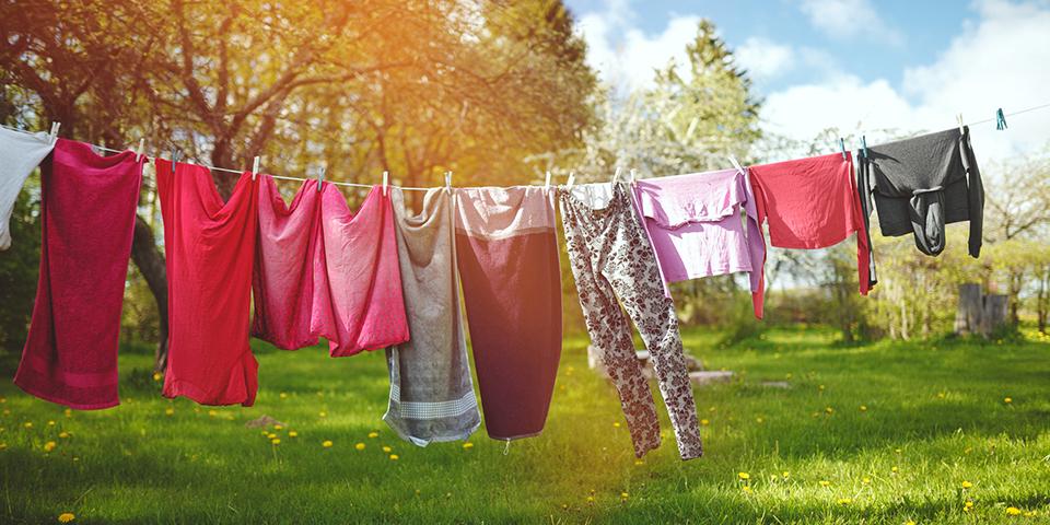 پاک کردن لکه روغن و چربی روی لباس سریع