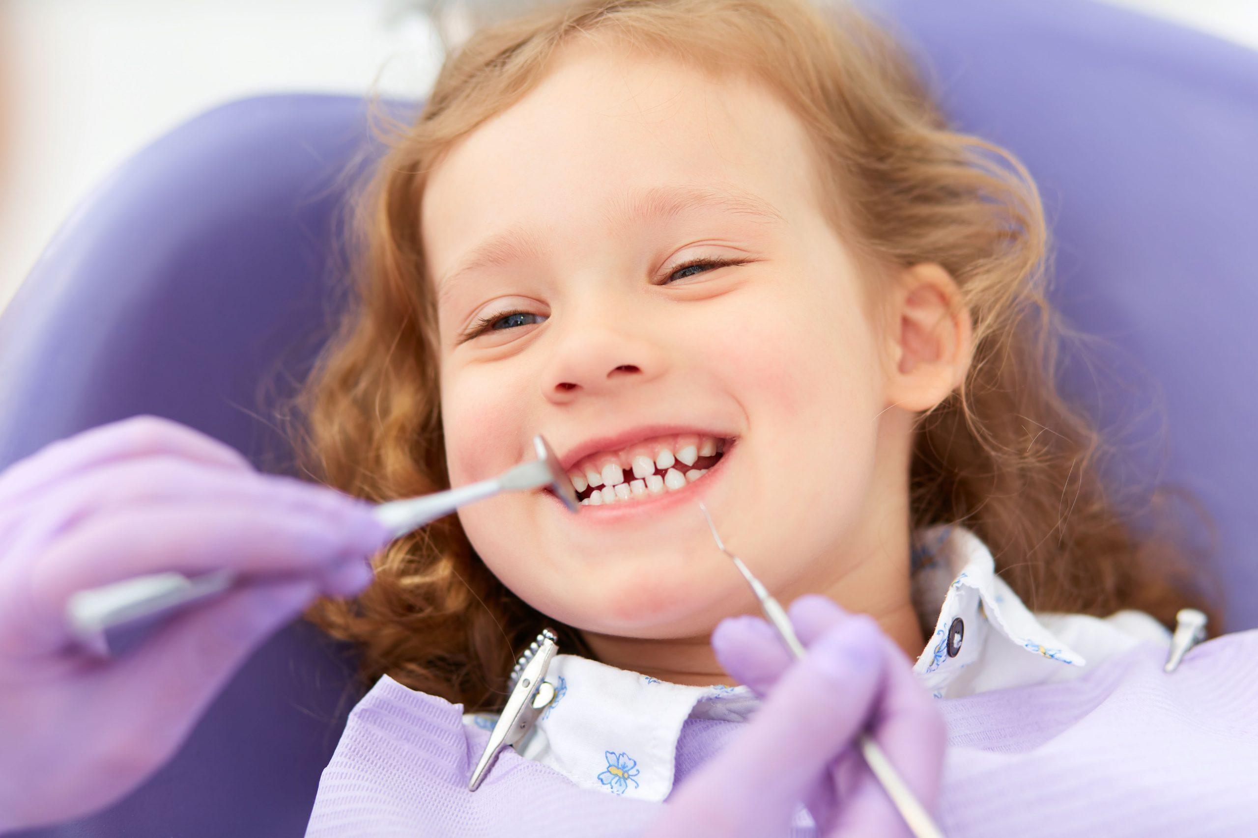 نقش دندانپزشک در نقش والدین در ترس کودکان از دندانپزشکی