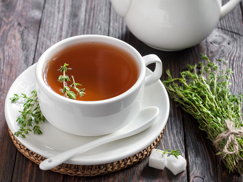 درمان طبیعی برای سرفه خشک با چای آویشن