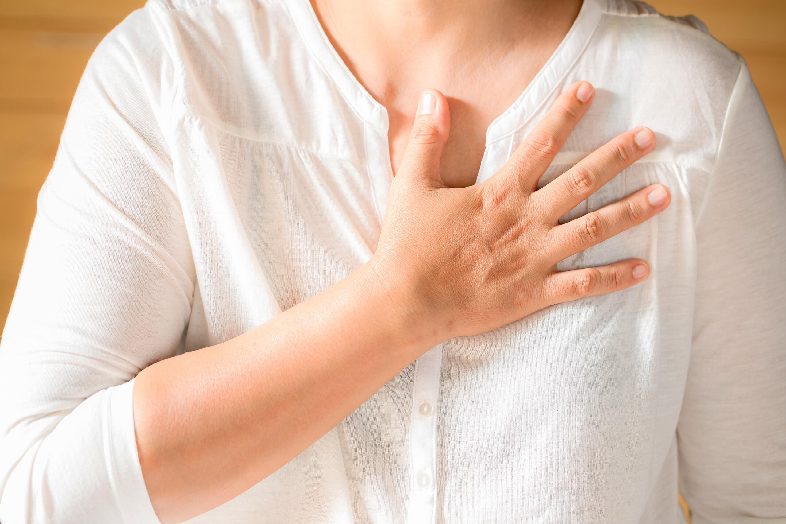 خونریزی نوک پستان به علت سرطان لوبولار