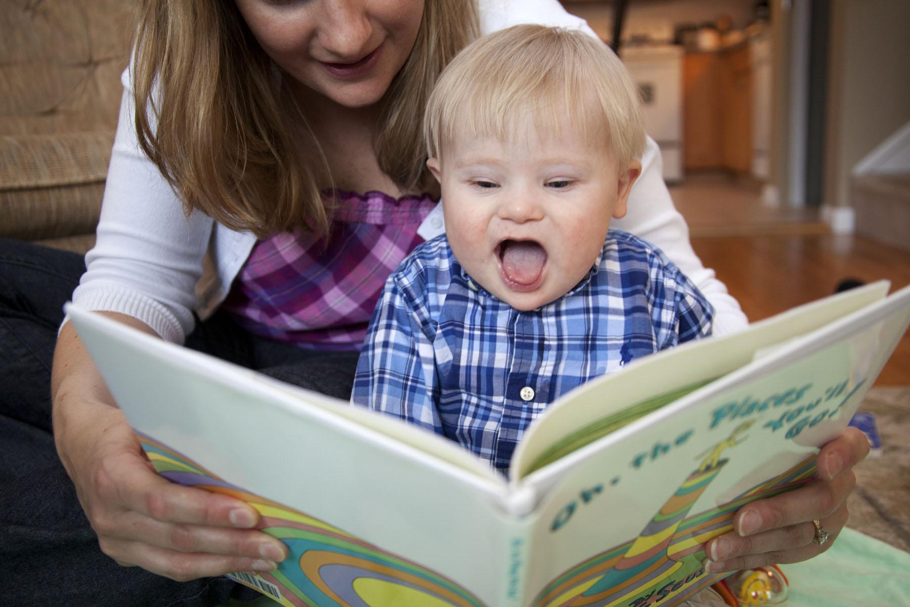 برای بهتر حرف زدن کودک کتاب بخوانید